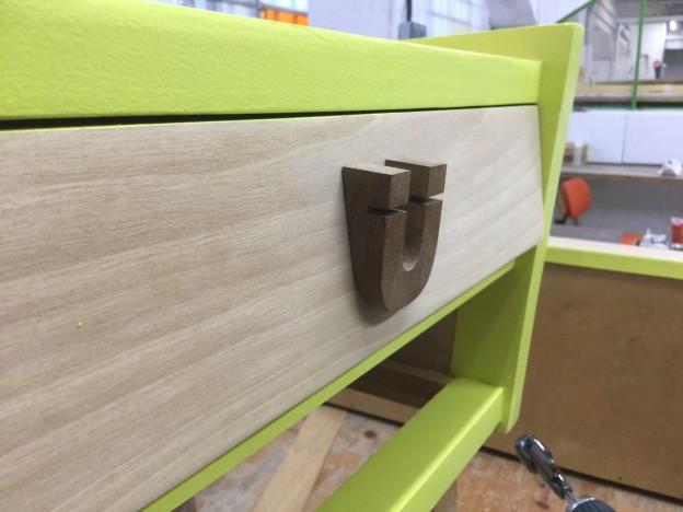 Distintos motivos para realizar restauraciones de muebles decoracion del hogar - Decapar muebles barnizados ...