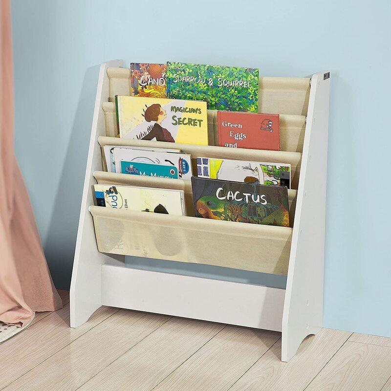 3 razones para tener estanterías Montessori en el dormitorio infantil
