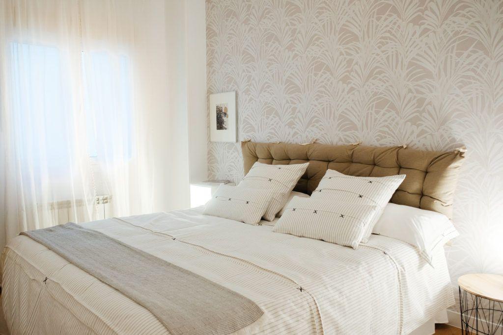 papel pintado en tonos blancos para dormitorios